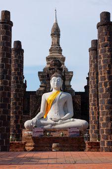 Free Buddha Quietly Royalty Free Stock Image - 19361826