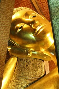 Free Reclining Buddha Royalty Free Stock Photography - 19369427