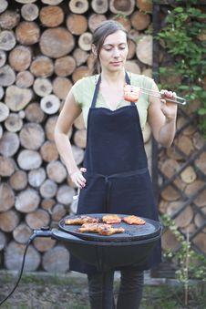 Barbecue Woman Royalty Free Stock Photos