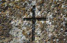 Free Old Cross At Grave Of 19th Century Royalty Free Stock Images - 19373749