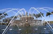 Free Fountain Royalty Free Stock Photography - 19376957