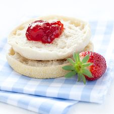 Free English Muffin With Jam Royalty Free Stock Images - 19380219