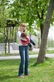 Free Mother And Little Daughter On Nature Royalty Free Stock Image - 19385276
