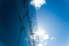 Free Cool Blue Glass And Steel Architecture Royalty Free Stock Photography - 19385977