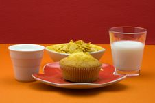 Free Muffin, Cereal And Milk Stock Image - 19386891