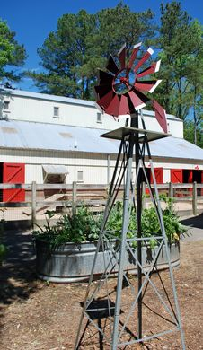 Free Windmill, Raised Bed, Barn Royalty Free Stock Images - 19389559