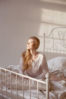 Girl In The Morning Sun Royalty Free Stock Photos