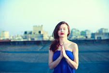Free Beautiful Girl Meditating Royalty Free Stock Photos - 19394258