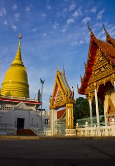 Free Golden Pagodas And Churches Stock Image - 19394461