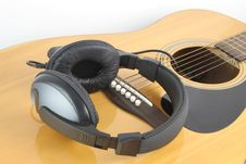 Free Headphone On Guitar Royalty Free Stock Photo - 19395575
