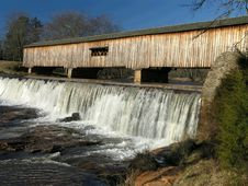 Free Watson Mill Covered Bridge Royalty Free Stock Photography - 1942427
