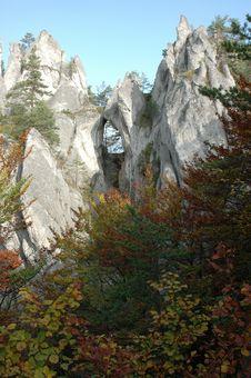 Free Autumn Hill, Goticka Brana Stock Photo - 1945060