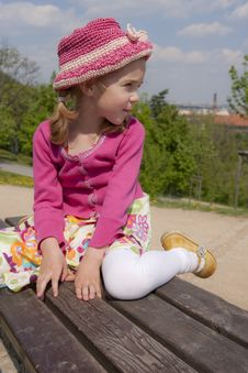 Free Little Girl On The Bench Royalty Free Stock Images - 19403419