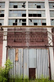Free Old Abandoned Factory Royalty Free Stock Photography - 19403577