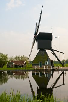 Free Windmills In Kinderdijk, Netherlands Royalty Free Stock Photography - 19404037