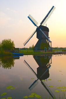 Free Windmills In Kinderdijk, Netherlands Stock Images - 19404054