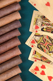 Free Cigars And Playing Cards. Royalty Free Stock Image - 19405876