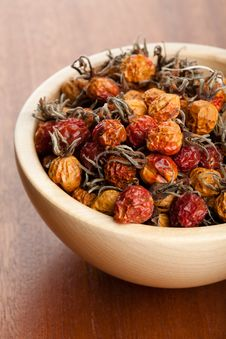 Free Dried Rosehips Royalty Free Stock Photo - 19407655