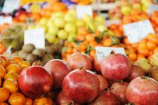 Free Fruits And Vegetables Market, Stock Photo - 19408300
