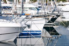 Free Docked Yachts Royalty Free Stock Photography - 19410927