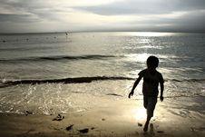 Free RUNNING BOY ON BEACH Royalty Free Stock Photos - 19411328