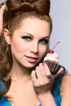 Free Beautiful Lady With Cake Stock Images - 19416814