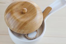Free Sugar Bowl With A Wooden Spoon Royalty Free Stock Image - 19422206