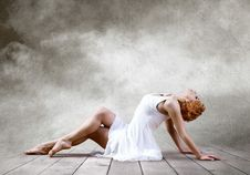 Free Woman Dancer Stock Photography - 19424812