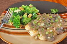 Chicken And Mushroom Gravy Royalty Free Stock Photos