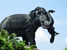 Free Erawan Elephant Status With Blue Sky (Horizontal) Royalty Free Stock Photo - 19429735