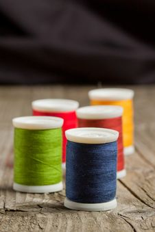 Free Spools Of Colorful Threads Royalty Free Stock Images - 19429969