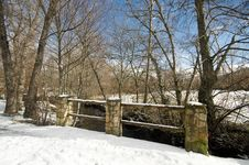 Free Snowy Bridge At Countryside Royalty Free Stock Images - 19438269