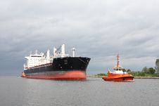 Free Cargo Ship Royalty Free Stock Photo - 19439525