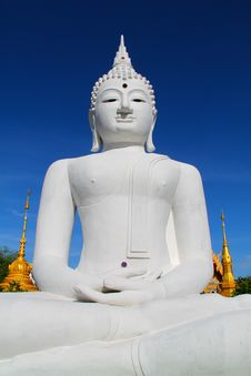 Free The Big White Buddha In Thailand Temple Royalty Free Stock Photography - 19439567