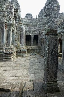 Free Angkor Wat Royalty Free Stock Photo - 19441395