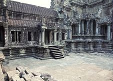 Free Angkor Wat Royalty Free Stock Photo - 19441525