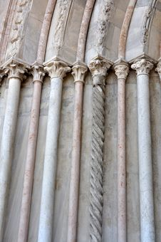 Free Marble Columns Royalty Free Stock Image - 19448406