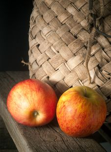 Free Apples Royalty Free Stock Photography - 19449057