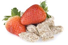 Free Wheat Cereal And Strawberries Royalty Free Stock Photography - 19450447