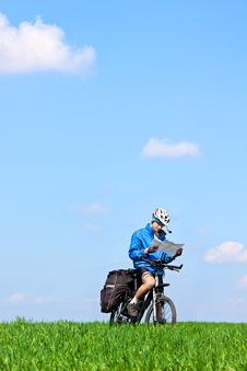 Free Mountain Biker On Sunny Day Royalty Free Stock Image - 19456196