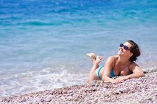 Free Young Woman On A Beach Stock Images - 19456234