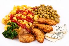 Free Meal With Chicken And Pasta With Veggies Royalty Free Stock Photography - 19457267