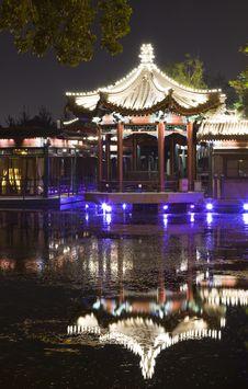 Free Night Scene Of Pavilion Reflection Royalty Free Stock Photography - 19459517