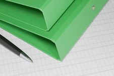 Free Green Folders With Pen Royalty Free Stock Photo - 19461925