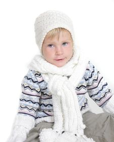 Free Cute Toddler Girl In Winter Clothes Stock Photos - 19464113