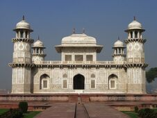 Free Mausoleum Itimad-ud-Daula Royalty Free Stock Photography - 19464137