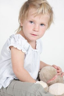 Free Child With No-name Toy Hippo Stock Photography - 19464182