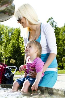 Free Young Mothers In The Park Stock Image - 19464671
