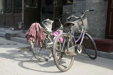 Free Two Chinese Bicycles Royalty Free Stock Photography - 19468277