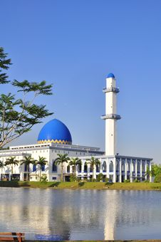 Free A Mosque In Malaysia Stock Photography - 19470952